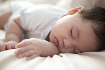 https://cf.ltkcdn.net/baby/images/slide/215630-704x469-Baby-napping.jpg