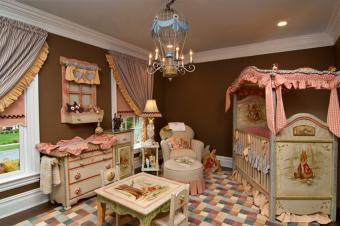 https://cf.ltkcdn.net/baby/images/slide/216022-850x566-Peter_the_Rabbit_Baby_Nursery.jpg