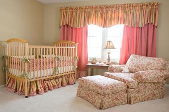 https://cf.ltkcdn.net/baby/images/slide/216024-850x566-baby-nursery-with-crib.jpg