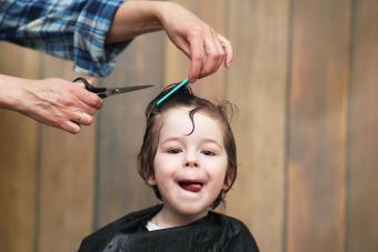 https://cf.ltkcdn.net/baby/images/slide/231664-850x567-haircut.jpg