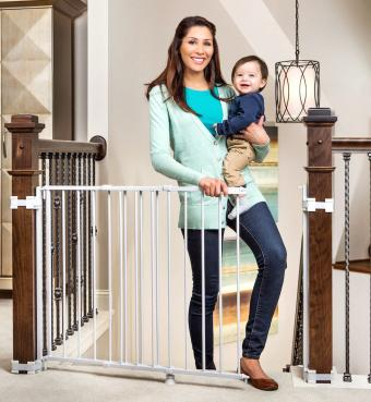 Regalo 2-in-1 Stairway and Hallway Wall Mounted Baby Gate