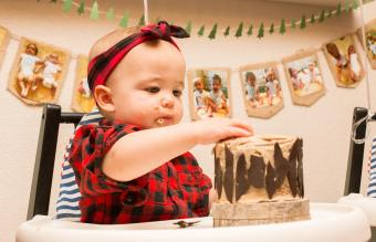 baby girl celebrating her birthday