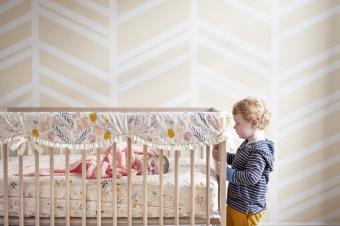 https://cf.ltkcdn.net/baby/images/slide/268387-850x566-geometric-nursery.jpg