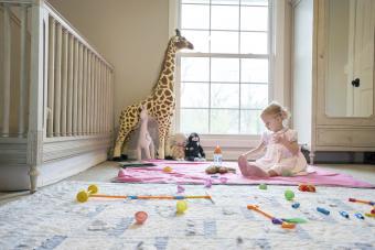 https://cf.ltkcdn.net/baby/images/slide/268400-850x567-girl-playing-in-nursery.jpg
