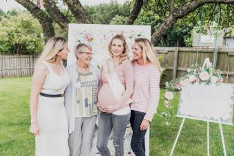 21 Summer Baby Shower Themes: Let the New Mom Shine