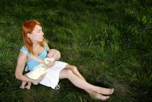 Basics About Menstruation While Breastfeeding: What to Expect