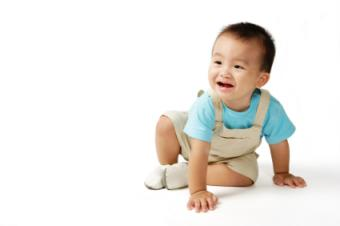 Baby Milestone Checklist to Keep Your Mind at Ease
