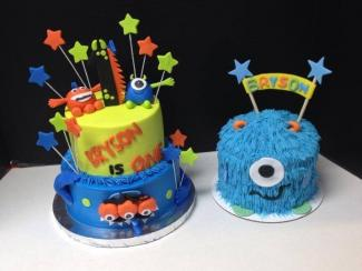 Monster theme smash cake from Dm Cakes; http://www.dmcakes.com/