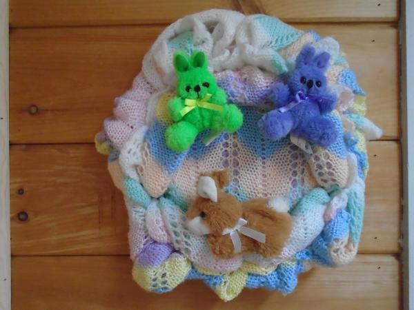 Crochet Baby Blanket Wreath with Bunnies