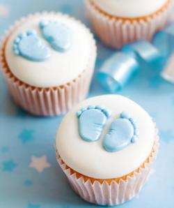 Baby feet boy cupcakes