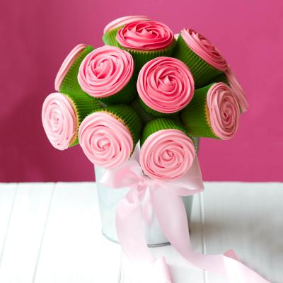 Bouquet of rose cupcakes