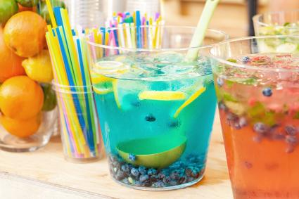 Refreshing lemon-blueberry punch