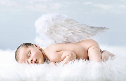 bebé como un ángel inocente