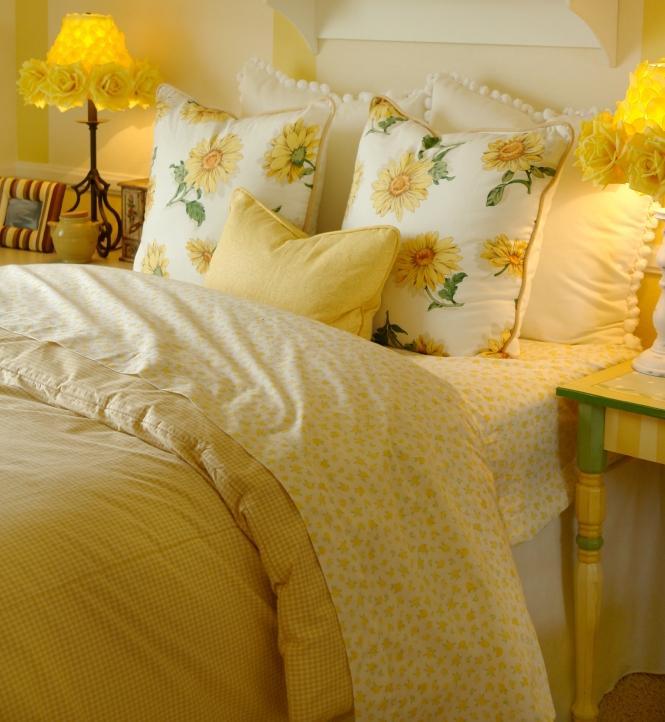 Relatively Bright Yellow Bedding | LoveToKnow VV85