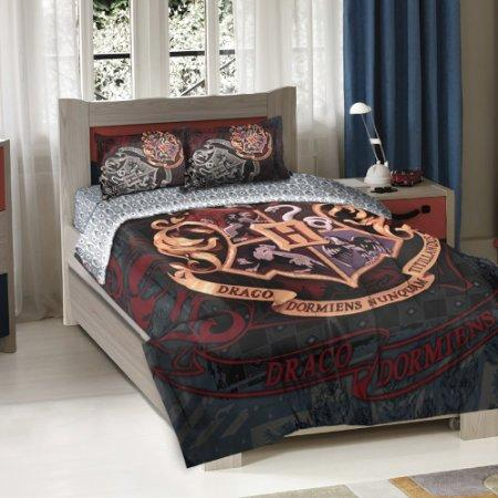 https://cf.ltkcdn.net/bedding/images/slide/177782-450x450-harry-potter-bedding.jpg