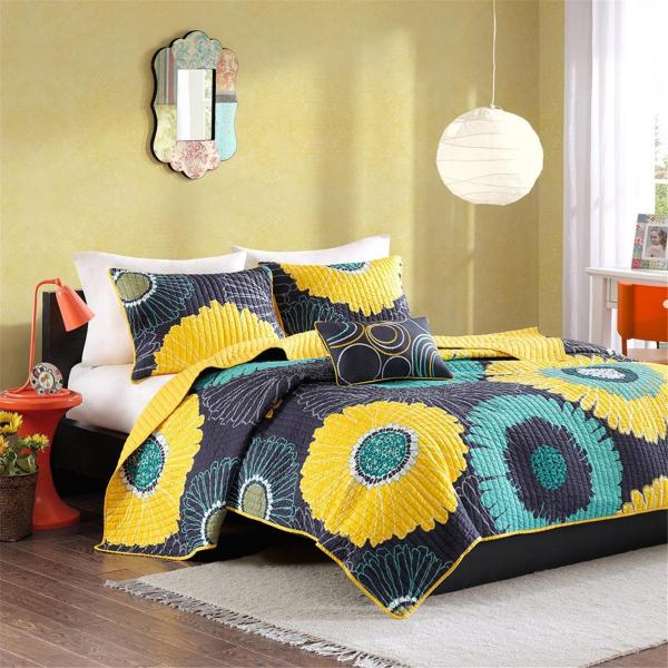 https://cf.ltkcdn.net/bedding/images/slide/245552-600x600-yellow-flower-coverlet.jpg