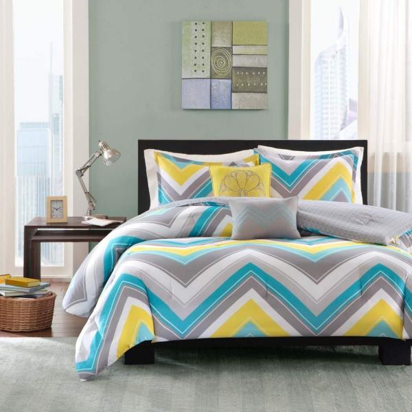 https://cf.ltkcdn.net/bedding/images/slide/245555-600x600-4-Piece-Twin-XL-Zig-Zag-Chevron-Comforter-Set.jpg
