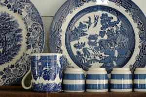 Blue willow patterns