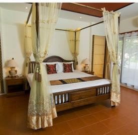 Canopy Bed Linens