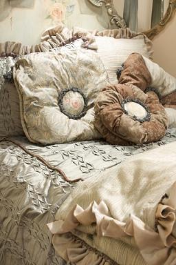 luxurious comforter