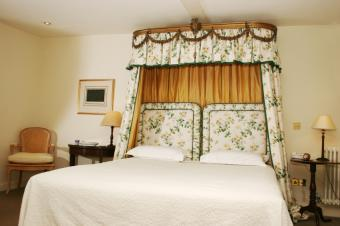 Canopy Bed Curtains Gallery