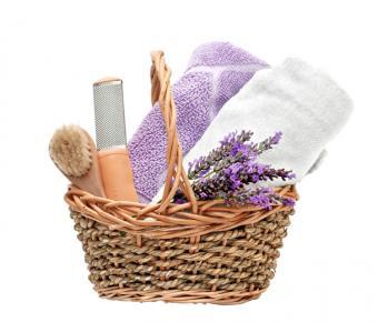 https://cf.ltkcdn.net/bedding/images/slide/163549-750x640-lavenderspa.jpg