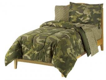 https://cf.ltkcdn.net/bedding/images/slide/177777-500x380-camouflage-bedding.jpg