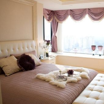 Queen-Size Lilac Comforter