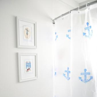 https://cf.ltkcdn.net/bedding/images/slide/206900-850x850-stenciled-shower-curtain.jpg