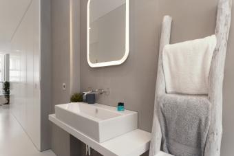 How to Display Bath Towels