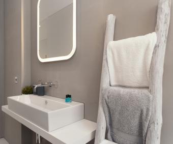 https://cf.ltkcdn.net/bedding/images/slide/212210-480x400-Bath-towels.jpg