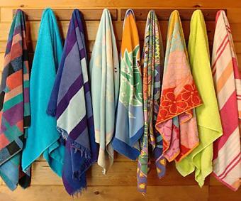 https://cf.ltkcdn.net/bedding/images/slide/212227-480x400-Beach-towels.jpg