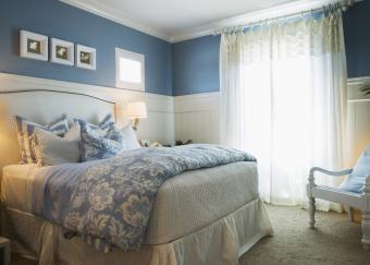 https://cf.ltkcdn.net/bedding/images/slide/218676-850x607-contrastingfabrics.jpg