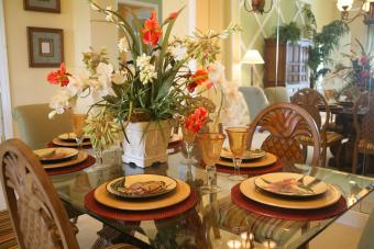 Dining table flowers and round placemats
