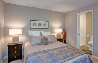 What Color Bedding Goes Great With Gray Walls?
