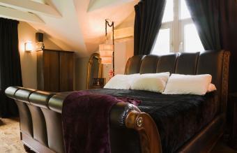Modern Bedding Ideas for Sleigh Beds