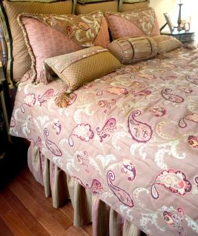 pretty bed with dust ruffle