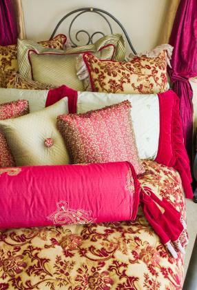 elegant floral bedding