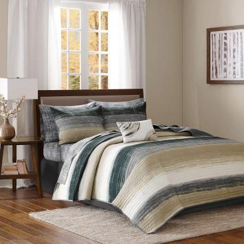 Madison Park Essentials Saben Queen Size Quilt Bedding Set