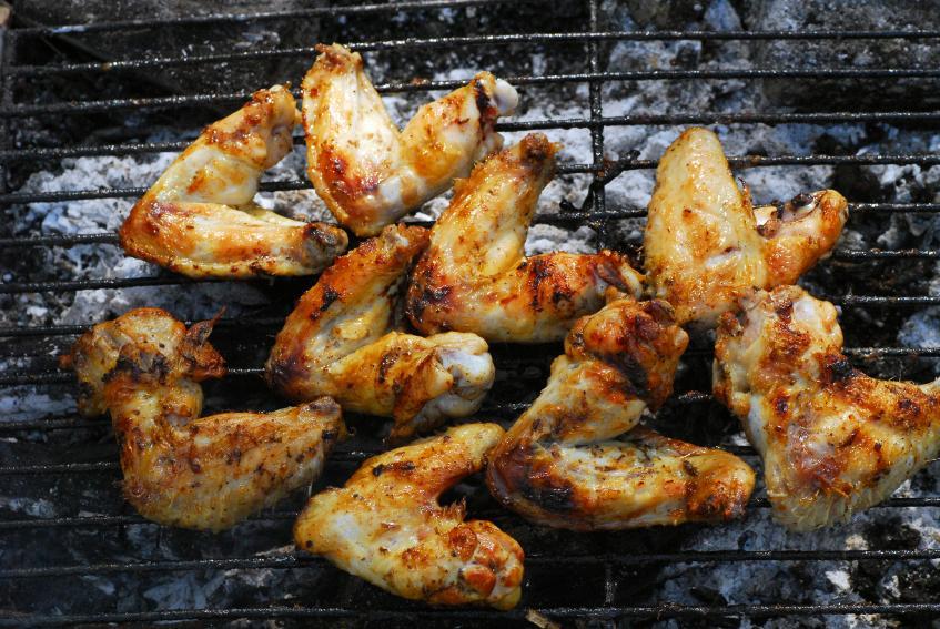 https://cf.ltkcdn.net/best/images/slide/135573-847x567-chicken_wings.jpg