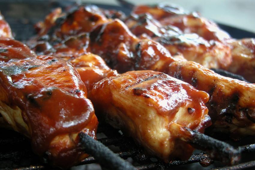 https://cf.ltkcdn.net/best/images/slide/229519-850x567-marinated-chicken.jpg