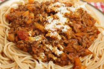 spaghetti-with-bolognaise-sauce.jpg