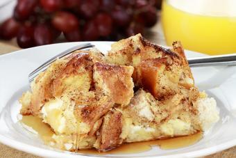 https://cf.ltkcdn.net/best/images/slide/208391-600x400-French-Toast-Casserole.jpg
