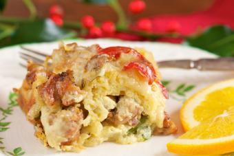 https://cf.ltkcdn.net/best/images/slide/208397-600x400-Sausage-Breakfast-Casserole.jpg