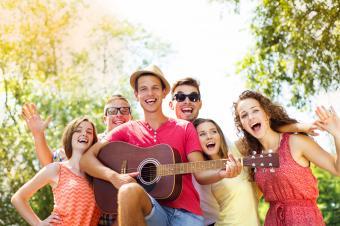 Friends-having-fun.jpg