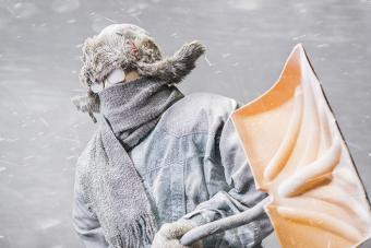 https://cf.ltkcdn.net/best/images/slide/229099-704x469-man-dressed-for-cold-weather.jpg