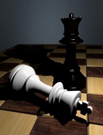 https://cf.ltkcdn.net/boardgames/images/slide/126386-585x765r1-checkmate-%282%29.jpg