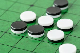 Behind the Othello Board Game: History and Gameplay