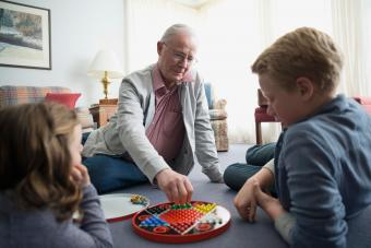 7 Simple Board Games That Make Fun Easy-Going