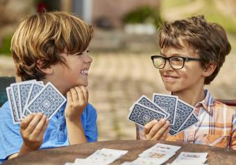 https://cf.ltkcdn.net/boardgames/images/slide/251405-850x595-15_Boys_Playing_Cards.jpg